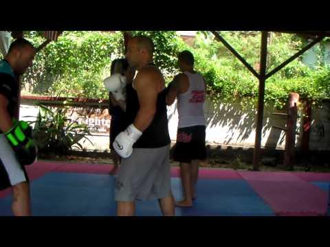 Dos vídeos de sparring en dos distancias de Wing Chun