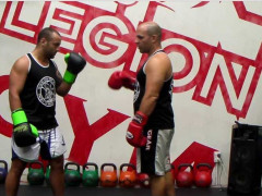 Alan Orr: entrenar Wing Chun con guantes de boxeo